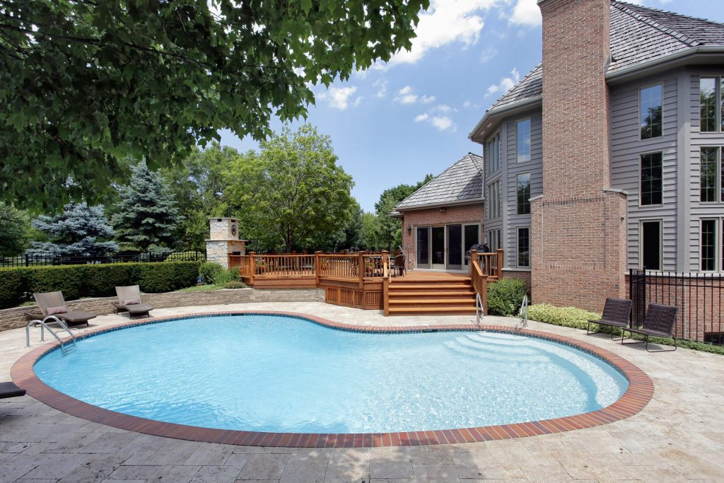 Reasons You Need to Pressure Wash Your Swimming Pool